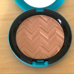 MAC Patrick Starr Hot and Heavy Face Powder